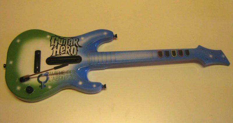 """Guitar Hero insieme alle """"Amiche per l'Abruzzo"""""""