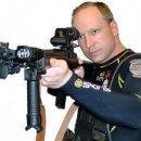 Behring Brevik, autore di un massacro di settantasette persone, si lamenta per i videogiochi che gli passa il carcere