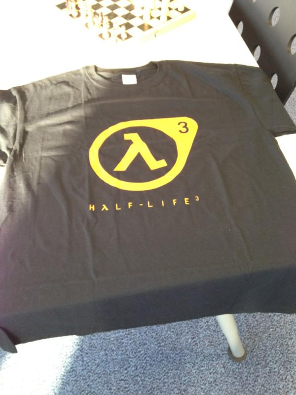 [agg] Valve spedisce una maglietta di Half-Life 3 a Garry Newman