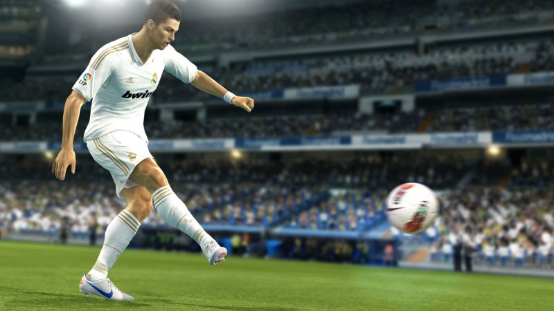 Pro Evolution Soccer 2013 non uscirà su PlayStation Vita?