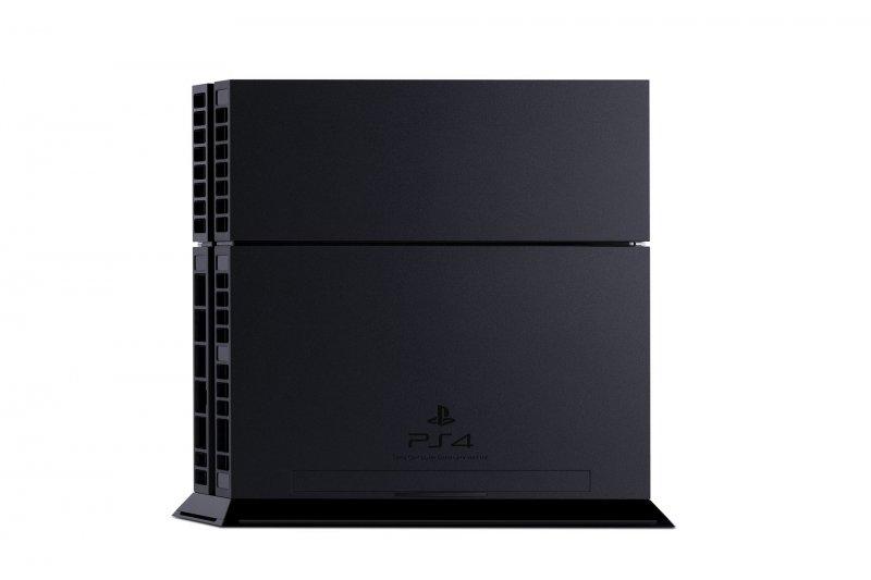 PlayStation 4 o Xbox One? Il sondaggio di Amazon si chiude in anticipo per manifesta superiorità