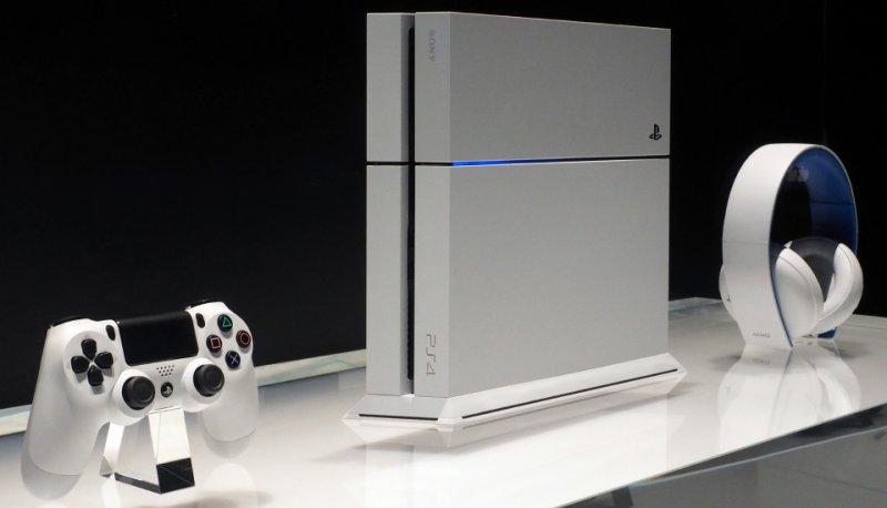 E3 2014 - Nuove immagini dal vivo della PlayStation 4 bianca