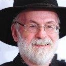 Se n'è andato a 66 anni Terry Pratchett, autore della serie Discworld