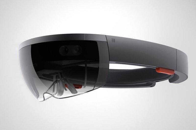 HoloLens costerà molto più di una console da gioco