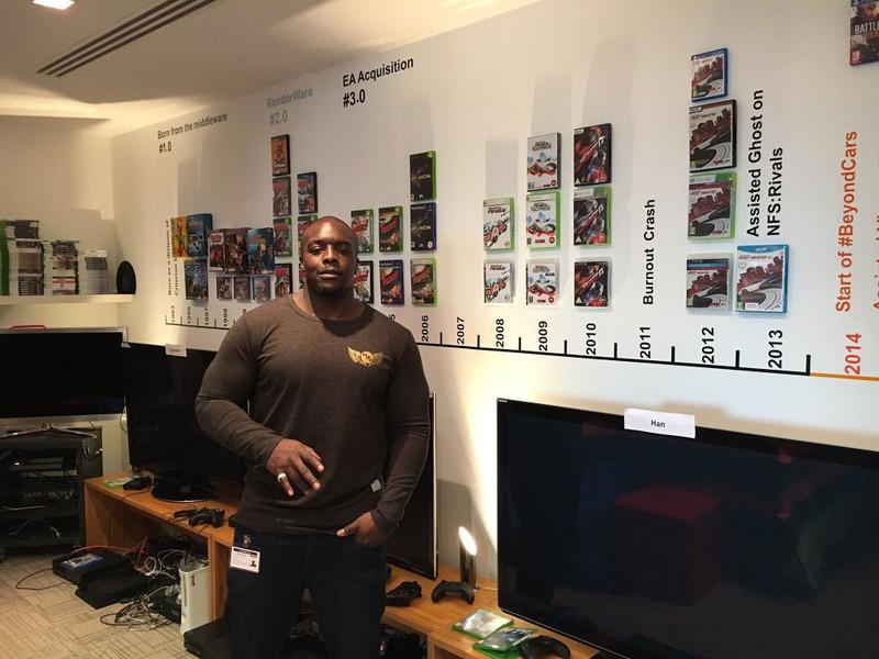 Adebayo Akinfenwa visita Criterion per vedere il nuovo progetto