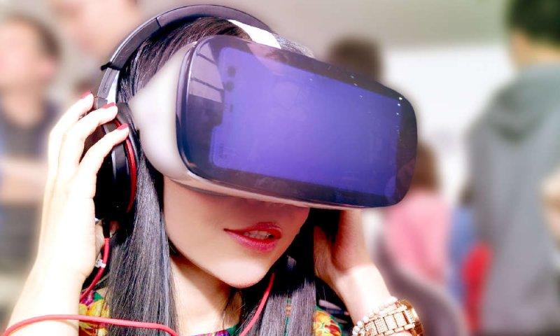 Realtà virtuale e porno: un punto di vista femminile