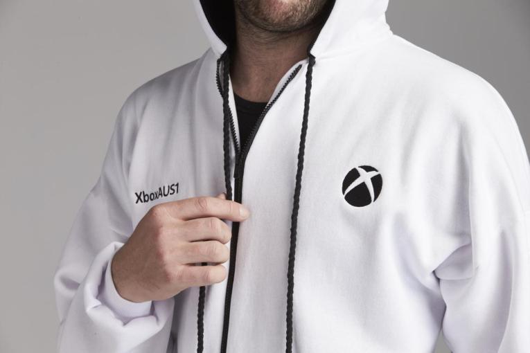 Microsoft annuncia Xbox Onesie, una tuta esclusiva pensata per i videogiocatori