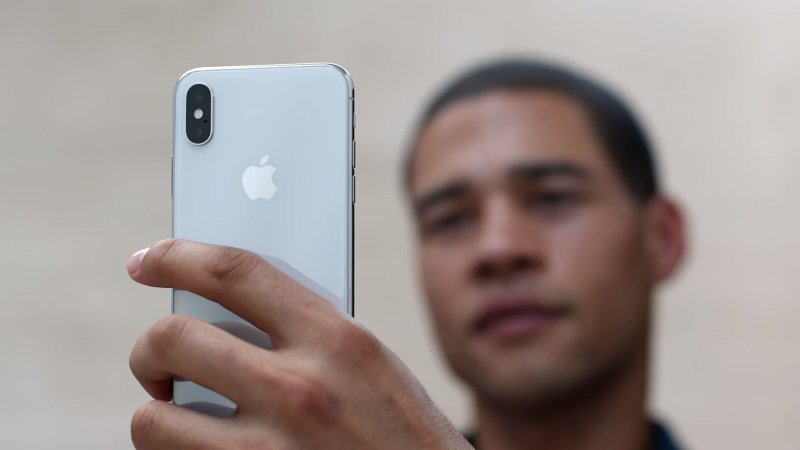 Arriva iPhone X