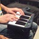 Un pro player ha raggiunto le semifinali di un torneo di Dragon Ball FighterZ utilizzando il controller tastiera di Rock Band 3
