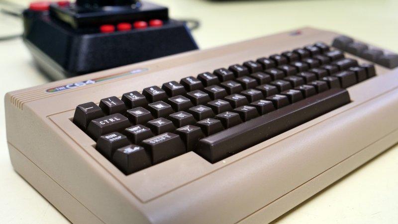 La video recensione del Commodore 64 Mini