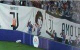Maradona contro FIFA 18: il suo volto appare nella curva della Juve - Notizia