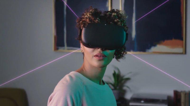 Facebook spinge su realtà virtuale, lancia il visore Quest