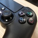 Nacon Asymmetric Wireless Controller, un confronto con il Dualshock PS4 e il pad Xbox One