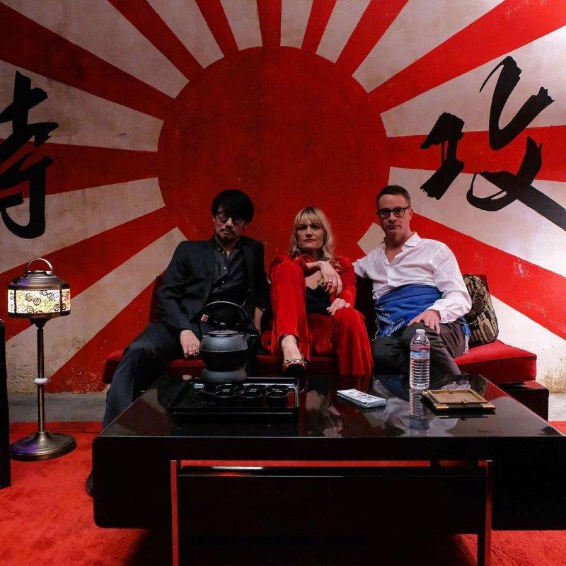 Hideo Kojima Liv Corfixen Nicolas Winding Refn Tournage Too Old To Die Young 180222