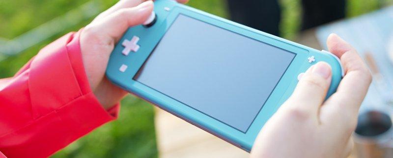 Nintendo Switch Mini 10