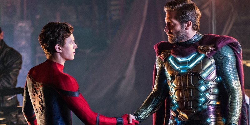 Tom Holland As Peter Parker And Jake Gyllenhaal As Mysterio In Spider Man Far From Home
