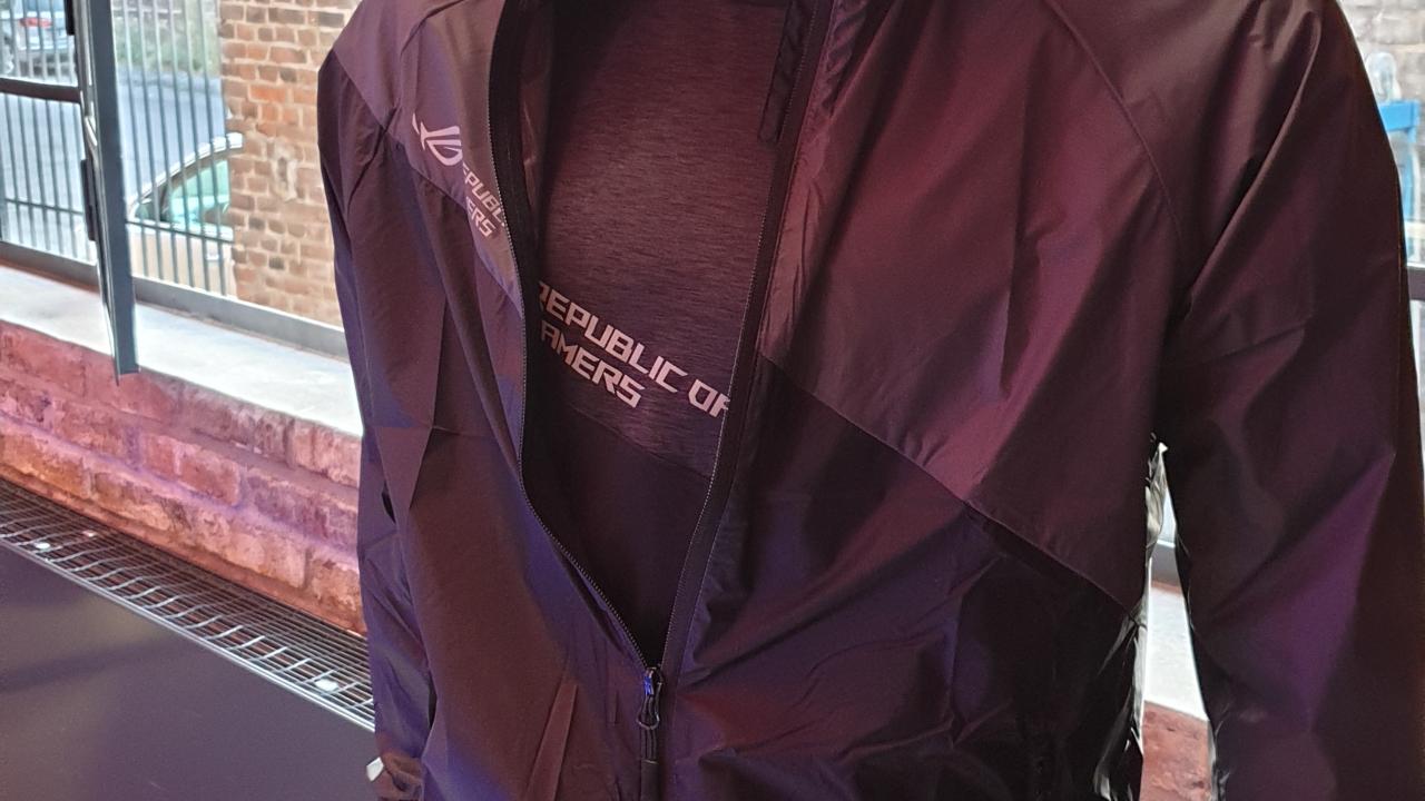 best service 909c2 67e93 ASUS e il nuovo abbigliamento della linea ROG - Multiplayer.it