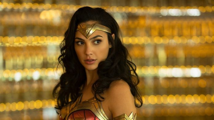 Wonder Woman 1984, the Panther cosplay is divine