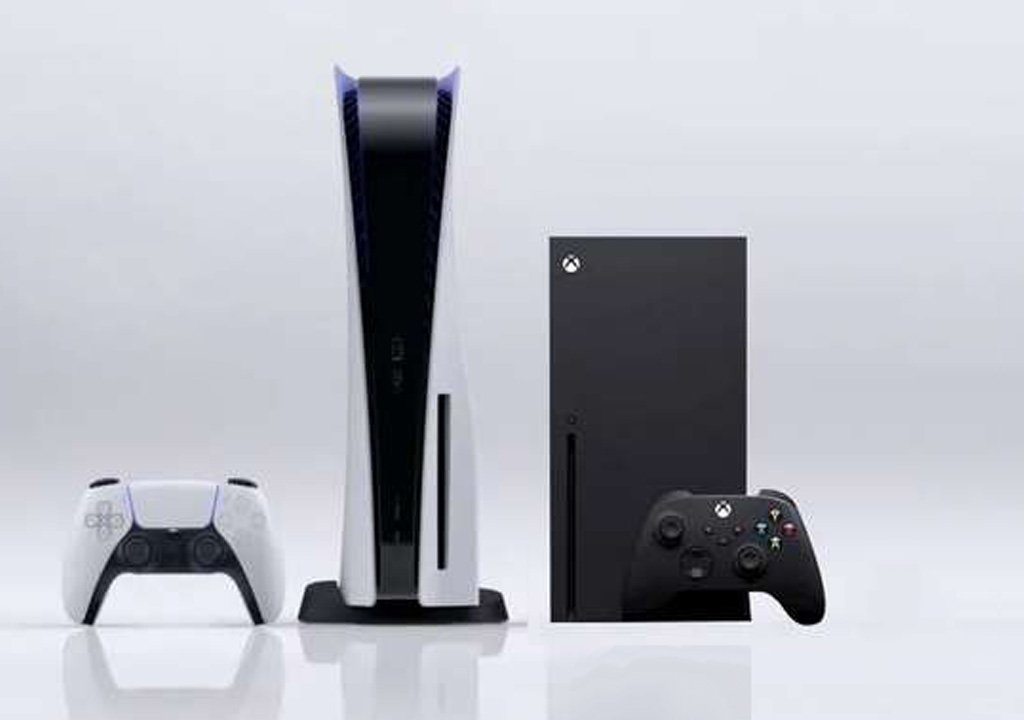 PS5 less powerful and more expensive than Xbox Series X? An insider confirms, another denies