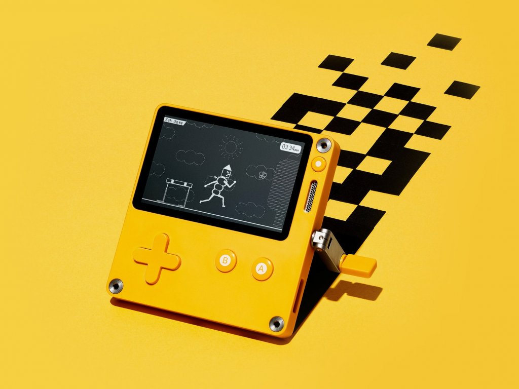Playdate: the portable console with crank available for purchase from 2021