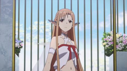 Sword Art Online: a Titania version of Oichi's Asuna cosplay