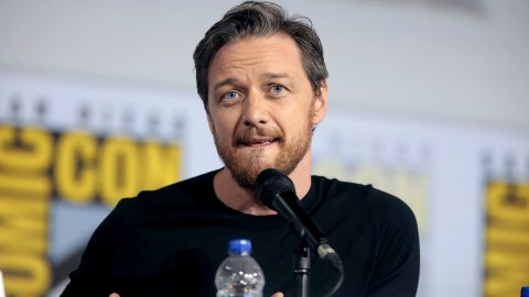 TES 4 Oblivion: James McAvoy had to set the puck on fire to stop playing