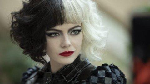 Cruella, the lowcostcosplay cosplay buries Emma Stone