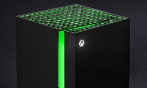 Xbox Series X dentro a un mini frigo Xbo …